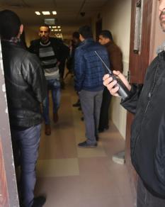 إصابة القيادي بحماس عماد العلمي أثناء تفقده سلاحه بغزة