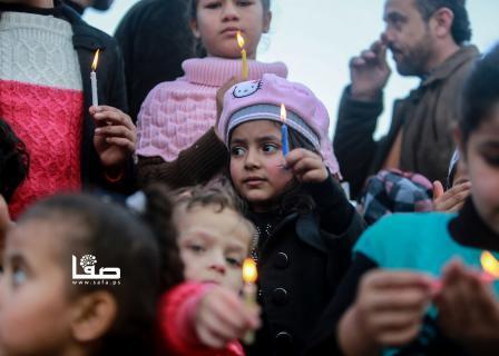 وقفة شموع لحركة فتح بغزة تضامنًا مع عهد التميمي
