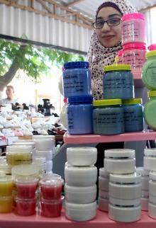 معرض منتجات شبابي في قطاع غزة