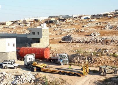 الاحتلال يصادر صهريجا ويغلق آبار بمحطة غاز في عناتا