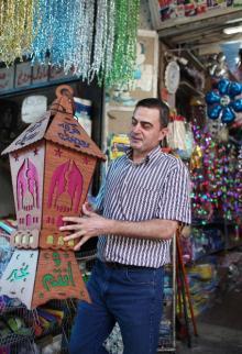 استعدادات بأسواق غزة لاستقبال شهر رمضان