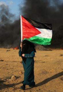 مشاركة واسعة للنسوة وكبار السن بجمعة انتفاضة القدس