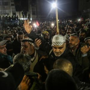 الأسير علاء أبو جزر حرًا بعد اعتقال 17 سنة
