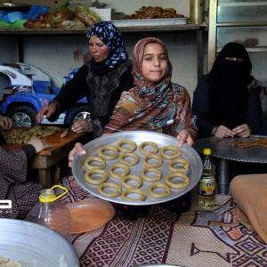 صناعة كعك العيد في غزة