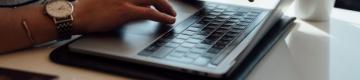 التعليم في زمن كورونا.. محاولات لردم الفجوة بين النظامي والإلكتروني