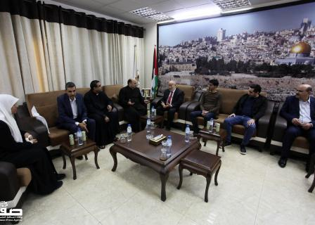 بحر یستقبل وفداً مسیحیاً بغزة