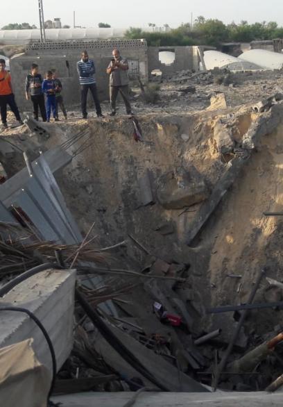 الاحتلال يدمر منزل المواطن منير زعرب جنوبي القطاع