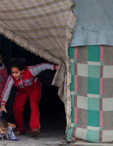 """اغلاق باب """"بدل الإيجار"""" يفتح باب """"التشرد"""" في غزة"""