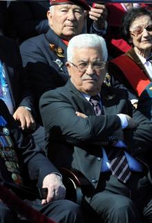 الرئيس عباس يحضر حفل الانتصار على النازية بموسكو
