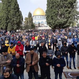 ٤٥ ألف مصل أدوا الجمعة برحاب الأقصى