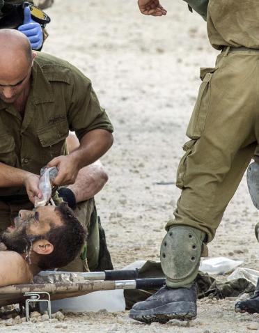 الاحتلال يكشف: مقتل جندي وإصابة 10 مستعربين بعملية في خزاعة