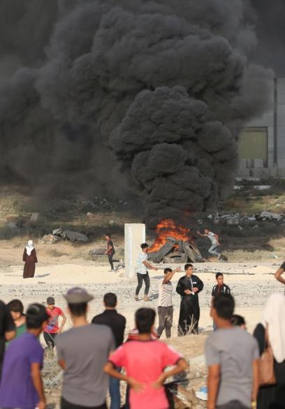 جانب من مسيرات لن تمر المؤامرة على حقوق اللاجئين بغزة