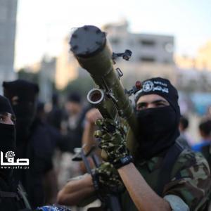 عرض عسكري لـكتائب الناصر في غزة بذكرى انطلاقتها الـ17