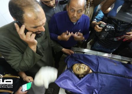 شهيد استهدفته طائرة إسرائيلية مسيرة شرق غزة