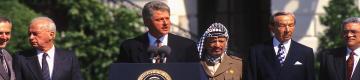 محللان: أوسلو أكبر صفعة للقضية الفلسطينية