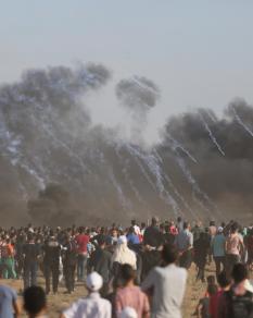 قوات الاحتلال تقمع متظاهري العودة في الجمعة الـ20