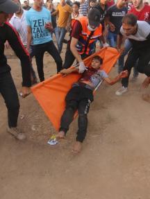 مشاهد من قمع قوات الاحتلال للمتظاهرين السلميين بمخيم العودة شرقي غزة