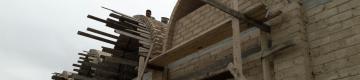 أعمال بناء أول سوق من الطين بطابع تراثي في قطاع غزة