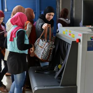 إجراءات أمنية تواكب استئناف الدراسة الجامعية بمصر