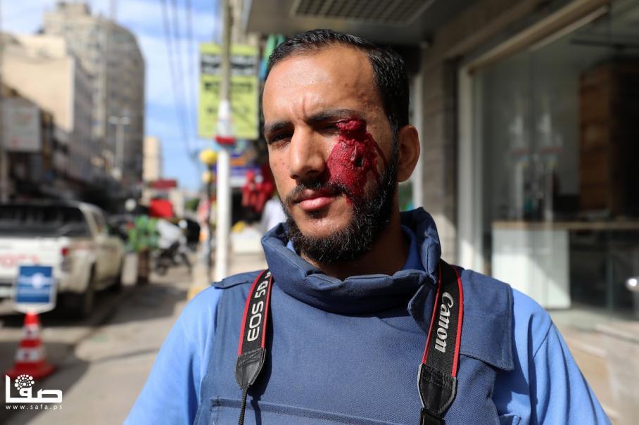 صحفيون يعتصمون مع عمارنة