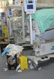 تراكم النفايات مستشفيات غزة لإضراب شركات النظافة