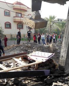 الاحتلال يدمر منزل لعائلة حدايد بمدينة رفح جنوبي قطاع غزة