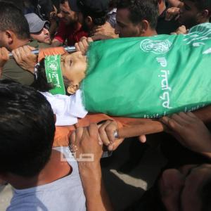 تشييع 3 شهداء بقطاع غزة ارتقوا أمس الجمعة بمسيرات العودة