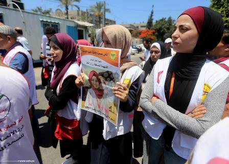 مسعفون ينددون بقتل الاحتلال زميلتهم النجار