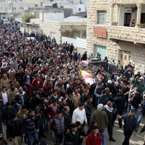 تشييع شهداء احتجز الاحتلال جثامينهم بالضفة
