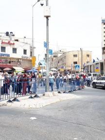 توافد المصلين للأقصى رغم الحواجز بالجمعة الثالثة من رمضان