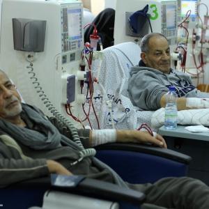 توقف شركات النظافة يشل أكبر مُجمّع طبي بغزة