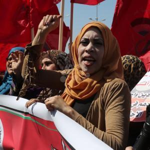 المرأة في غزة.. احتفال بيومهن العالمي على طريقتها الخاصة