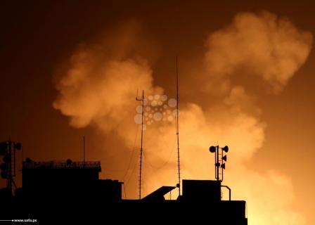 الاحتلال يشن سلسلة غارات على قطاع غزة