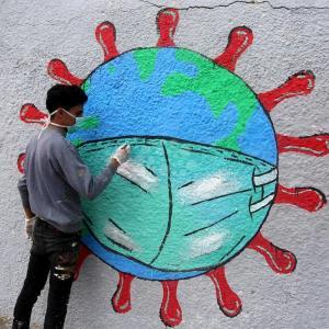 رسومات جدارية بغزة للتوعية بفيروس كورونا