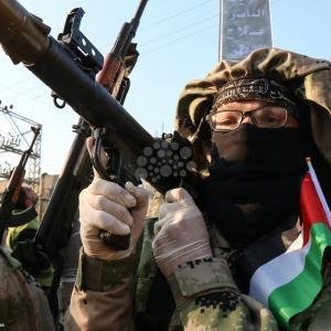 عرض عسكري لألوية الناصر بغزة