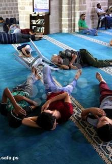 تعبد وقراءة القرآن في نهار وليل رمضان