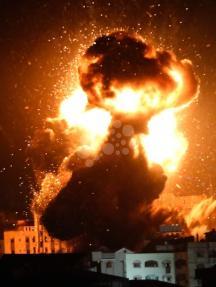 غارات إسرائيلية عنيفة على غزة