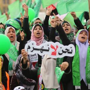 مشاركة نسائية واسعة بمهرجان حماس