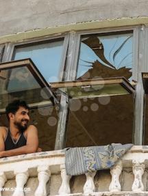 آثار القصف الإسرائيلي جوار منازل المواطنين بغزة