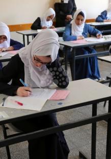 مسئولون يتفقدون امتحانات التوجيهي بغزة والضفة