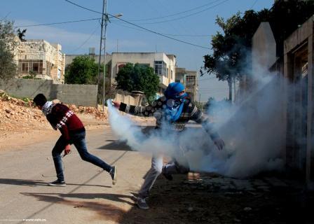 الاحتلال يقمع مسيرات الضفة الأسبوعية