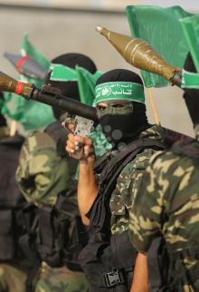 عرض عسكري للقسام بالتزامن مع إجراءات الاحتلال بالأقصى