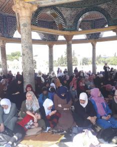 صلاة الجمعة بالمسجد الأقصى