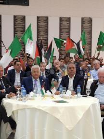 الرئيس عباس يتابع أحداث مباراة السنغال والجزائر