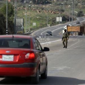 الجيش الإسرائيلي يشدد إجراءاته حول نابلس