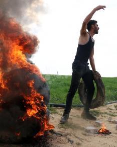 غضب على قتل الاحتلال لمقاوم والتنكيل بجثمانه شرق خانيونس