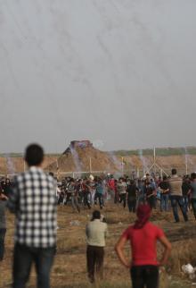 الآلاف يشاركون بجمعة مستمرون رغم الحصار بغزة