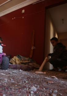 آثار قصف طائرات الاحتلال موقعا للمقاومة شمال القطاع