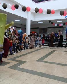 مهرجون بمشفى لأطفال مرضى السرطان بغزة
