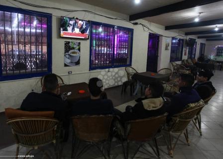 مواطنون يُتابعون خطاب عباس بمجلس الأمن